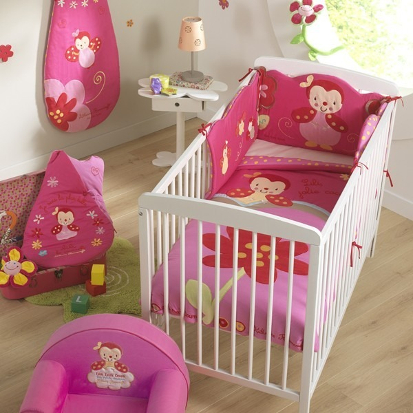 tour de lit b b lili la coccinelle k roumanoff babycalin. Black Bedroom Furniture Sets. Home Design Ideas