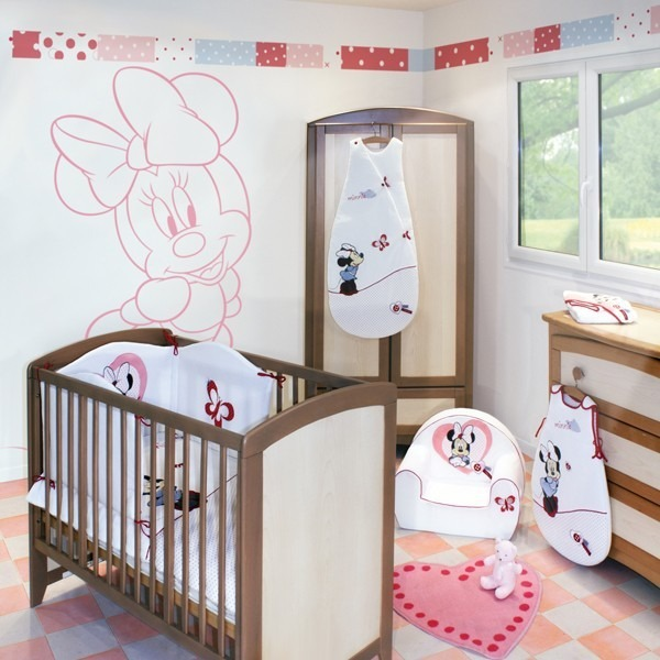 edredon couvre lit love minnie babycalin souris. Black Bedroom Furniture Sets. Home Design Ideas